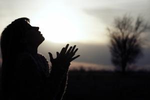 praying mom